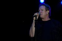 Lee Loughnane, vocal