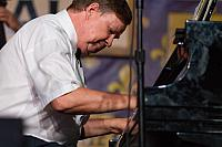 Lars Edegran on piano